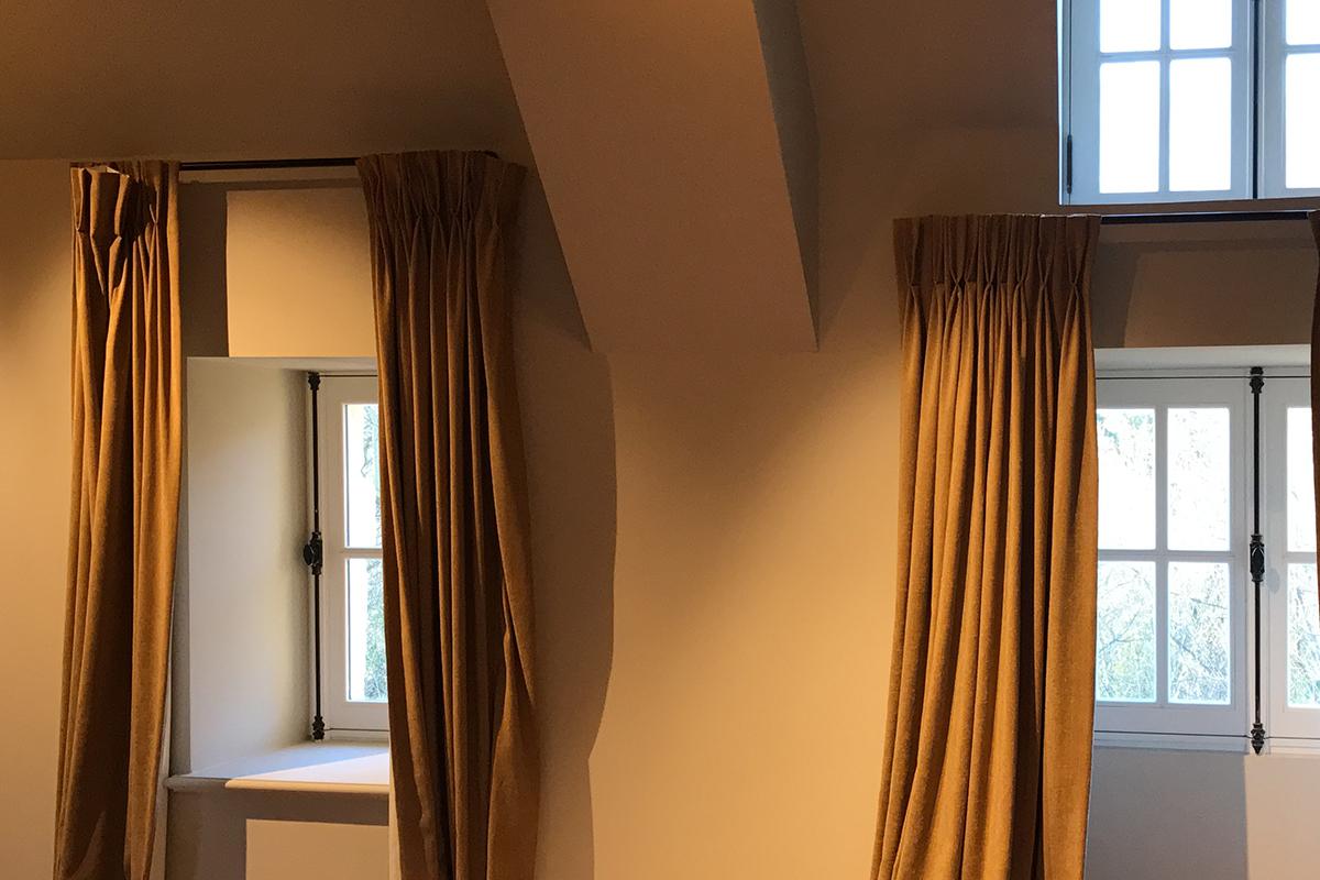 reconditionare tamplarie exterioara castel hotel Franta